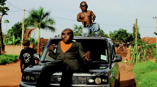 ウガンダ|障害者コメディアン