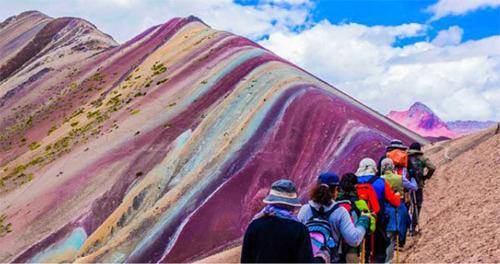 レインボーマウンテン|ペルー